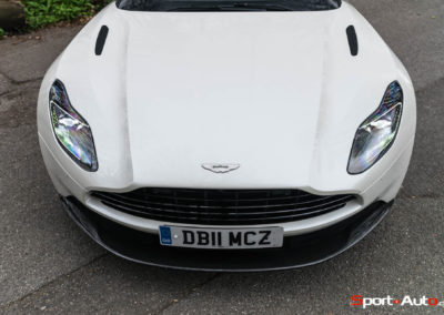 AstonMartinDB11V8-60