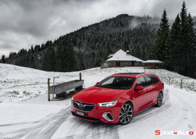Opel-Insignia-Sports-Tourer-GSI-25