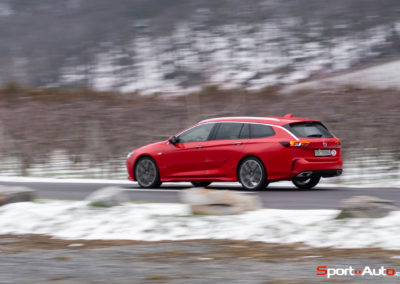Opel-Insignia-Sports-Tourer-GSI-59