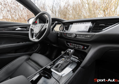 Opel-Insignia-Sports-Tourer-GSI-84
