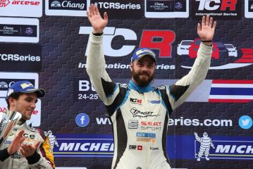 Stefano Comini win his fifth victory in TCR