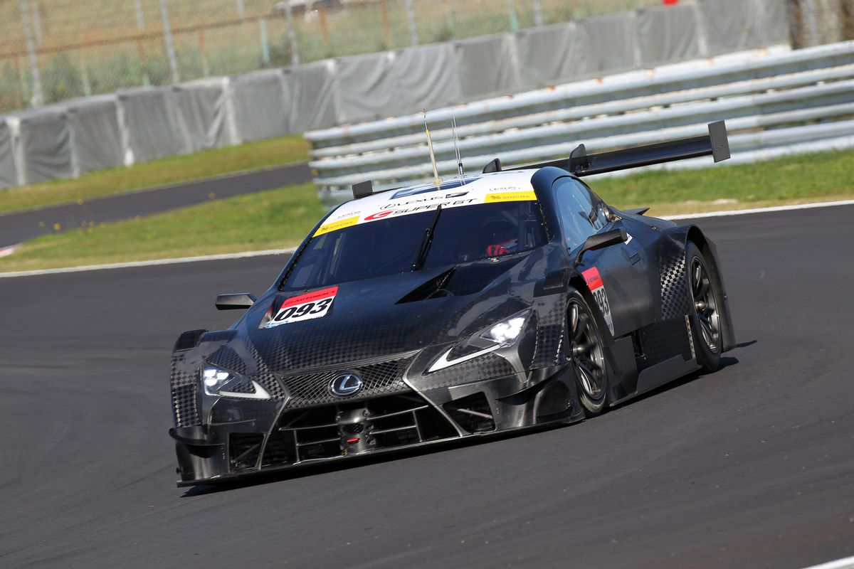 lexus und nismo fahren beim dtm finale sport. Black Bedroom Furniture Sets. Home Design Ideas